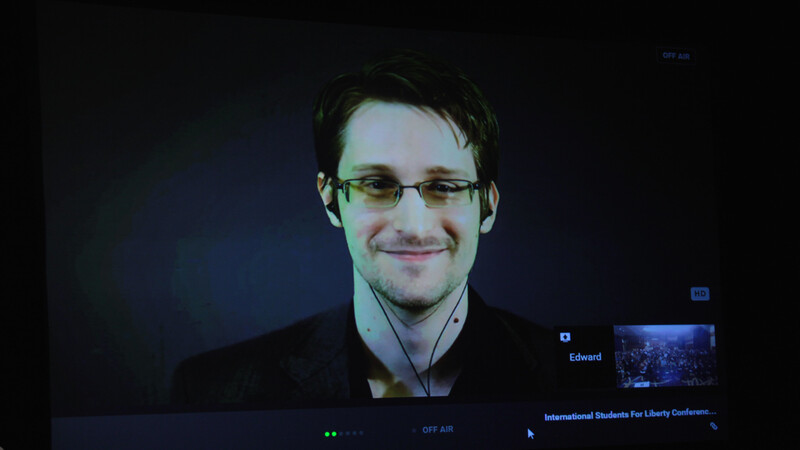 """Amazon, Facebook and Google have legalized the """"abuse of the person through the personal,"""" claims Edward Snowden"""
