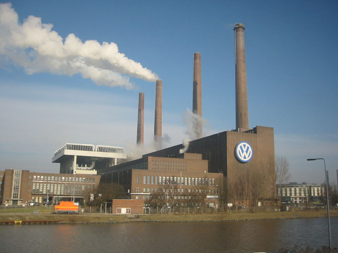 CEO: Climate hysteria pushing German auto industry to brink