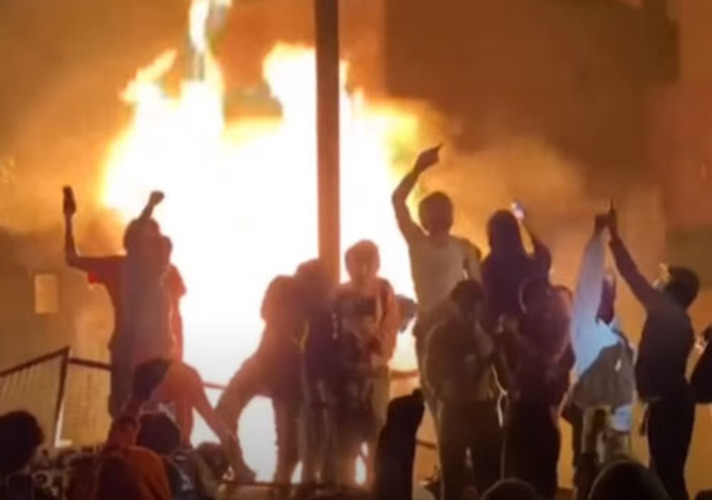 Columnist: Mob forces globalism on once-free Americans