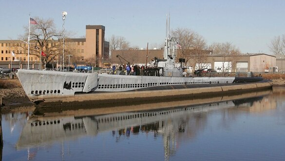 Air Force and Army veteran duo aims to restore WWII submarine