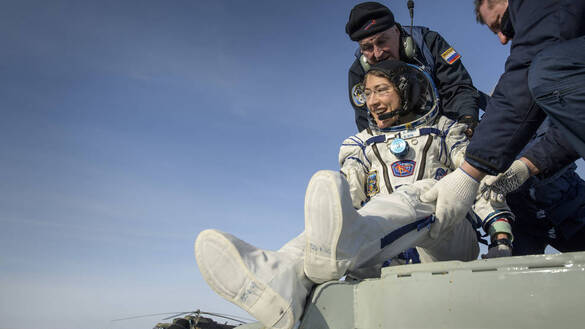 Record-Setting NASA Astronaut, Crewmates Return from Space Station