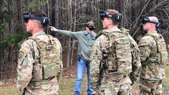 The Army wants to buy 40,000 'mixed reality' goggles