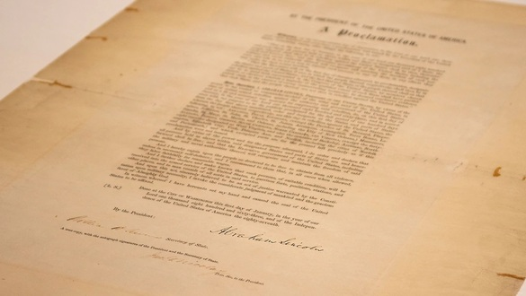 Senate approves bill to make Juneteenth a federal holiday