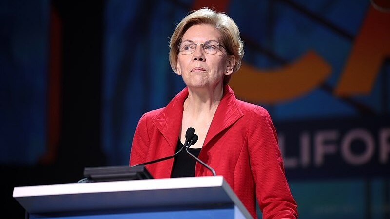 Elizabeth Warren deletes infamous, year-old Native American DNA tweet
