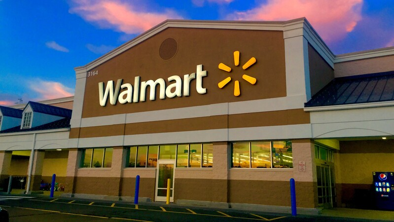 Walmart To Hire 150 Thousand Workers And Pay $550 Million In Cash Bonuses To Hourly Workers Amid Coronavirus Shopping Surge