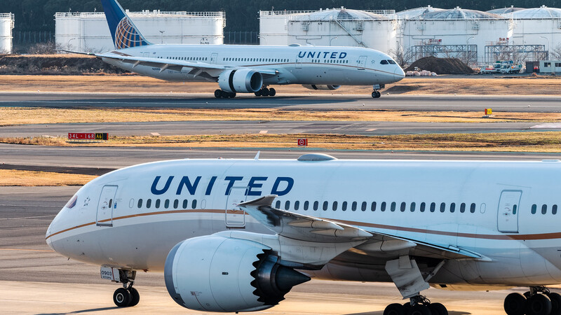 North Texas United Airlines Pilot Leads Class Action Lawsuit Over Its Vaccine Mandate