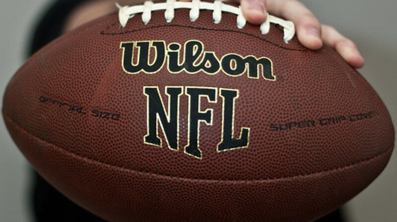 Players blast NFL's strict new COVID-19 vaccine protocols, call players association 'a joke'