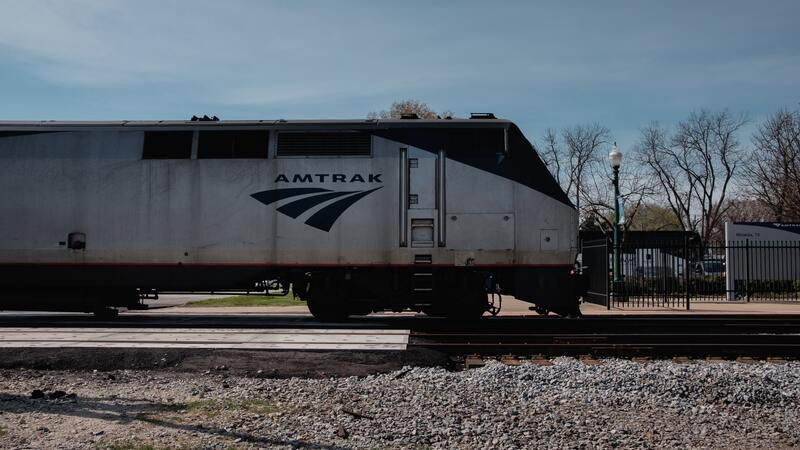 Reports: Amtrak crews join 'sickout' started by air traffic controllers